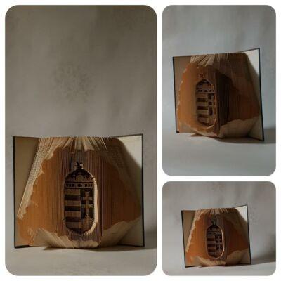 Egyedi elképzelés alapján készült könyvszobor